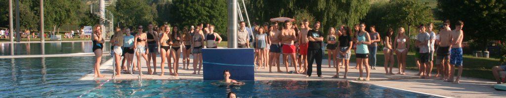 Der vorletzte Schultag: Sport und Spiel im Erlebnisbad Engen